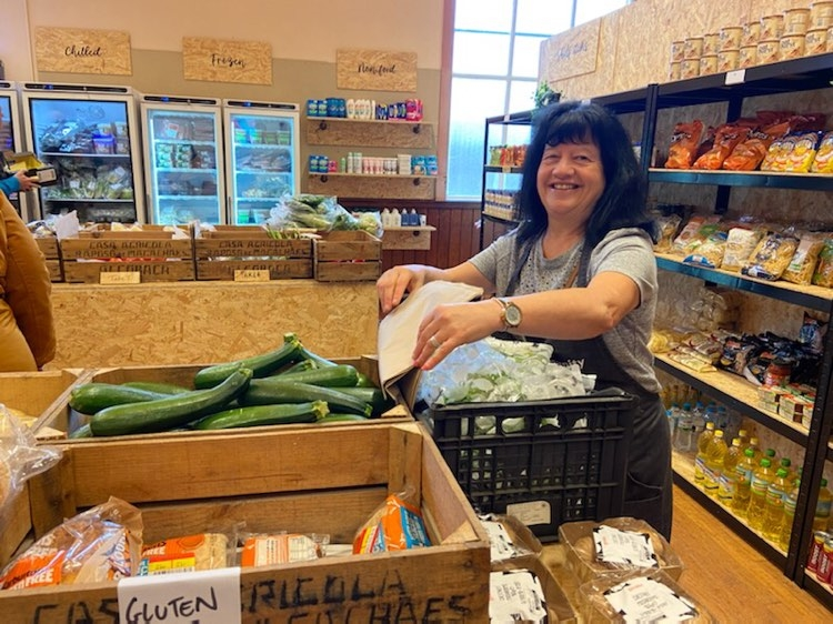 Lincoln Food Hub & Community Grocery help Locals Struggling to Afford the Weekly Shop